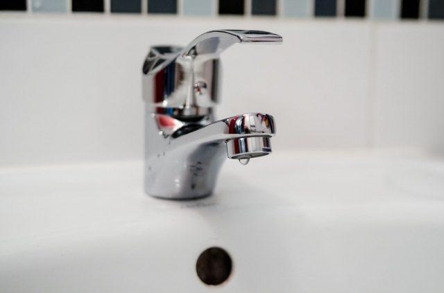 Trouver un plombier sérieux: quels sont les points à prendre en compte?