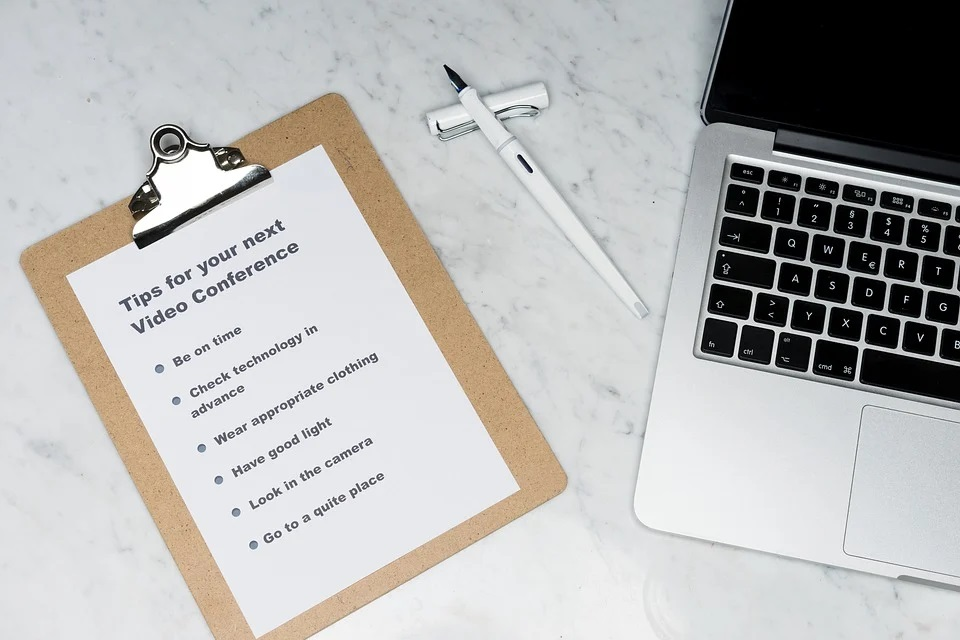 Le tchat : un outil intéressant pour communiquer avec les clients