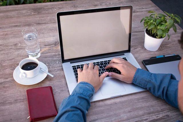 Comment choisir son prestataire web francophone ?