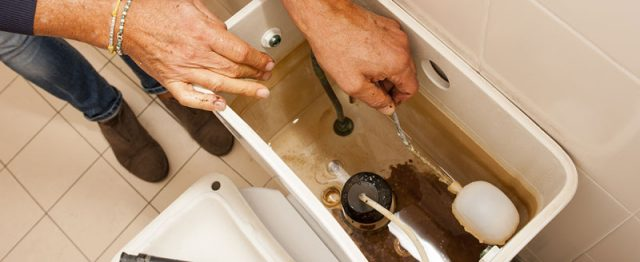Comment changer le clapet d'une chasse d'eau ?