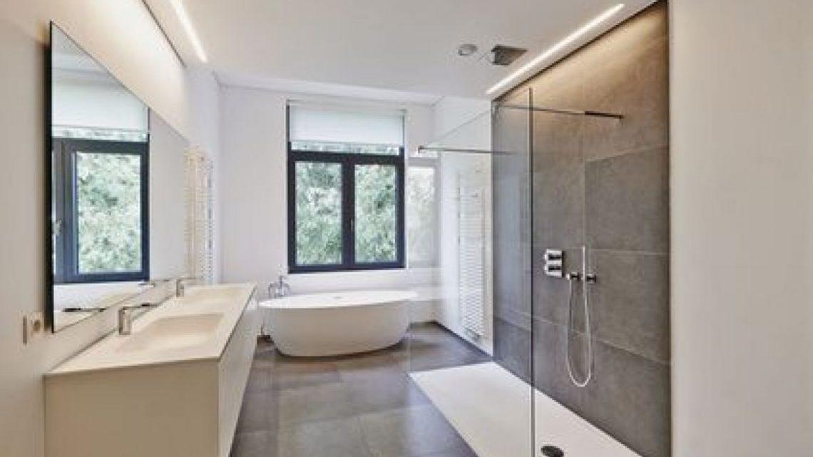 Comment réparer un receveur de douche fissuré ?
