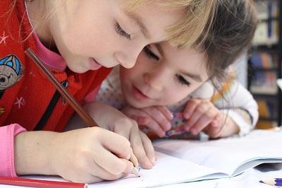 Idées d'activités pour occuper les enfants à la maison